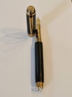Luxury Fountain Pen in Gold and Ebony