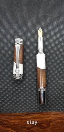 Majestic Walnut Hybrid Fountain Pen