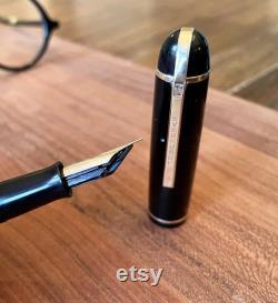 Restored Eversharp Skyline, Vintage Fountain Pen with Flexible Nib. Standard size, in Black with gold trim. Read description please.